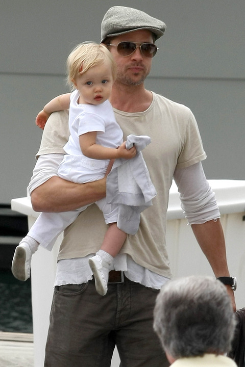 finalpixx016384-Brad-Pitt-daughter