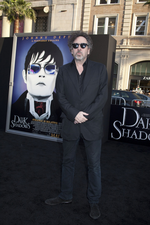 0090_DarkShadow_Premiere