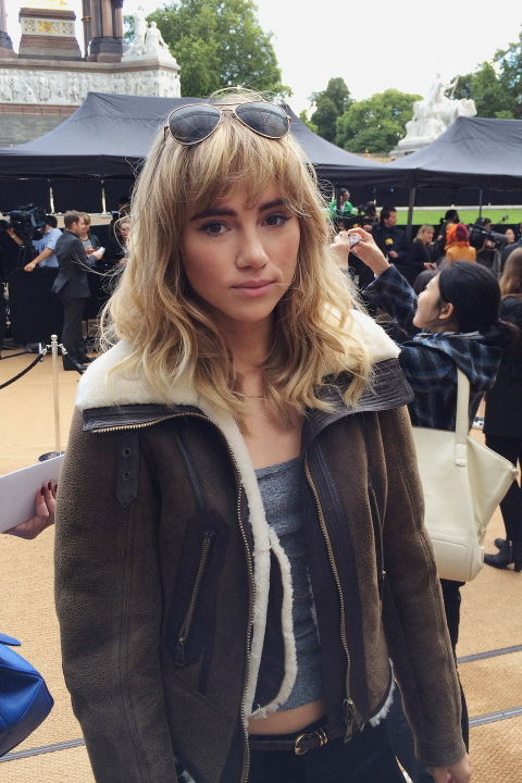 Suki Waterhouse 002